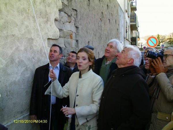 BELTOISE-Inauguration-rue-par-NKS-qui-va-devoiler-la-plaque-JPB-de-Manou-Zurini.j