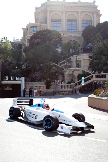 Formulec-sur-le-circuit-de-Monaco-Eco-Luxury-Tour-mars-2012