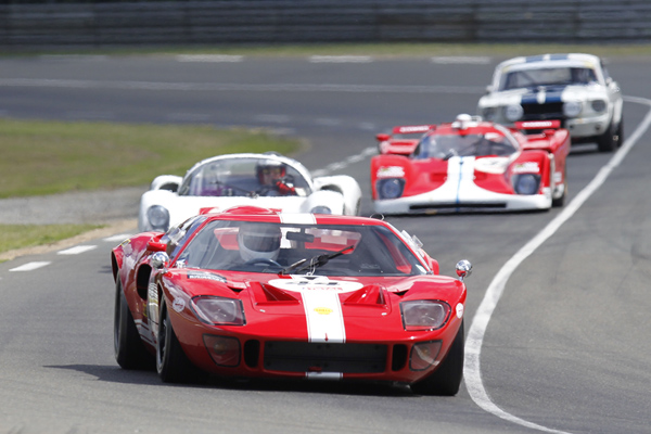 LE-MANS-CLASSIC-2012-FORD-GT-40