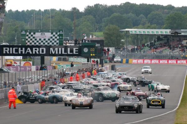Le-Mans-Classic-2012-Le-depart-Plateau-2