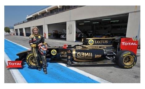 MARIA-DE-VILLOTA-Lotus-Renault-test-Paul-Ricard-2011