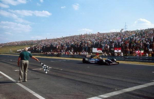 Nigel-Mansell-Hungaroring-1992-CHAMPION-du-monde