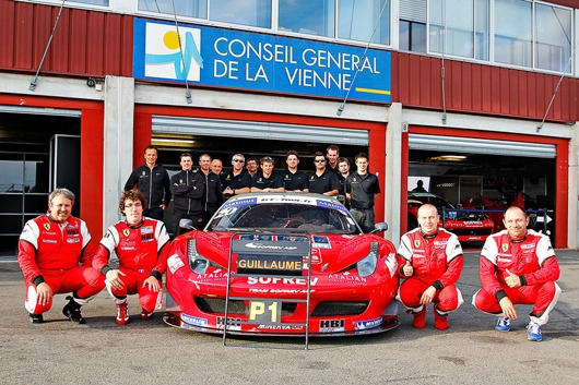GT-TOUR-2012-LE-TEAM-ASPSOFREV-PENSE-A-GUILLAUME-MOREAU-Ancien-pilote-du-Team-de-JEROME-POLICAND-Photo-PATRICK-HECQ