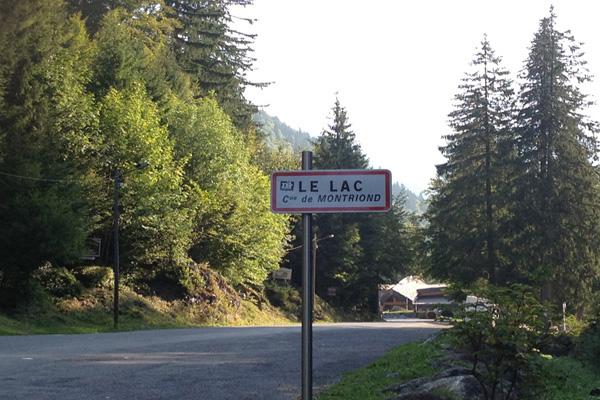 MONT-BLANC-2012-Plaque-Lac-de-MONTRIOND-photo-Gilles-VITRY-autonewsinfo.