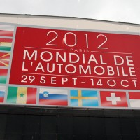 MONDIAL AUTO 2012 PANNEAU exterieur photo autonewsinfo