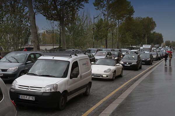 PARIS-ENCOMBREMENTS-ASSURES-AVEC-LES-FEUX-SUR-LES-VOIES-SUR-BERGES-Photo-Gilles-VITRY-autonewsinfo.