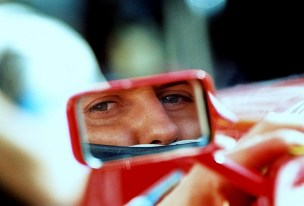 SCHUMI-Dorénavant-ce-sera-un-regard-dans-le-rétro-pour-Schumacher-©Manfred-GIET-pour-autonewsinfo.
