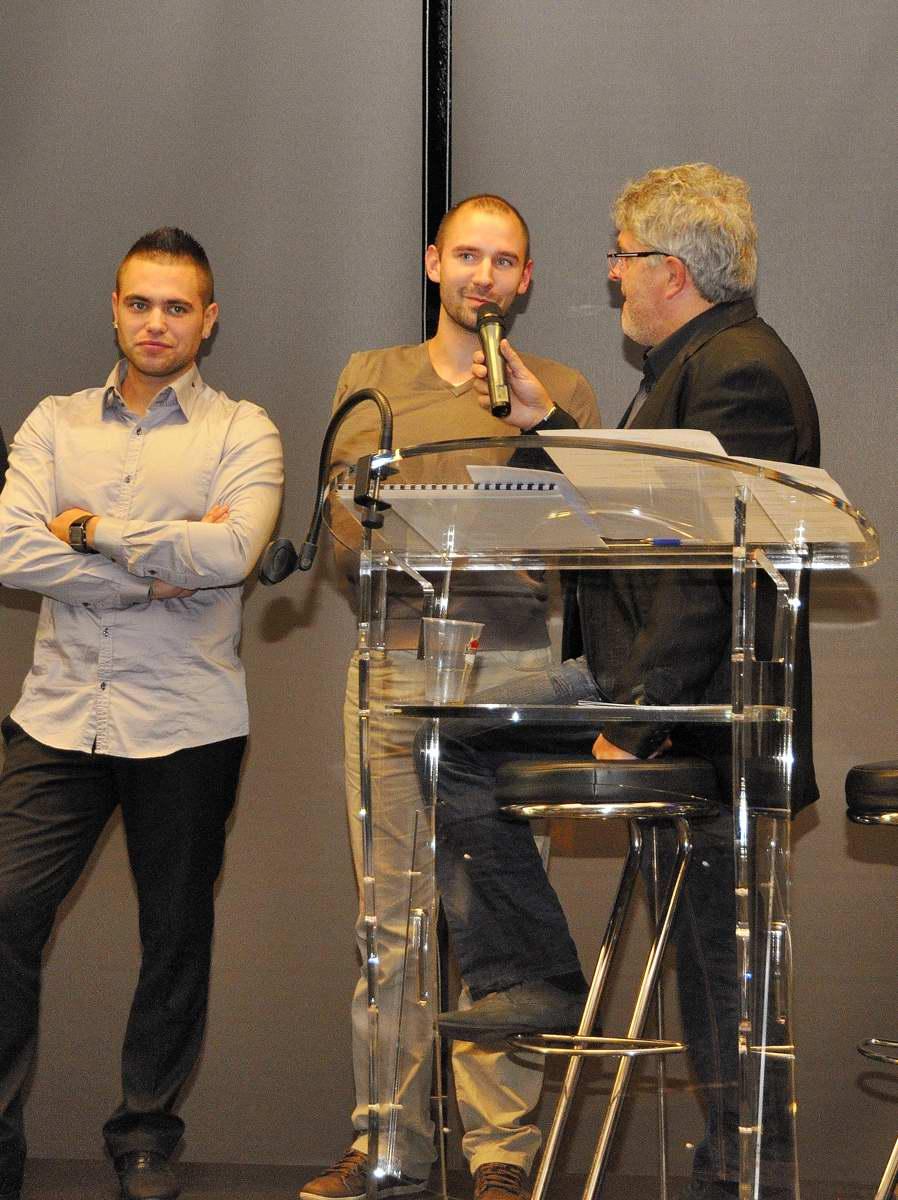 JUNIOR TEAM SUSUKI 8 Anthony DELHALLE soumis à l'interview aux cotés d'Emeric JONCHIERE Photo Alain Monnot  autonewsinfo