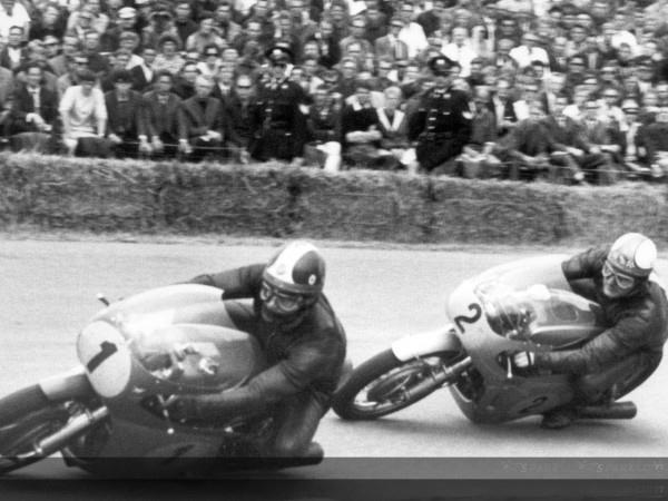 MOTO AGO et HAILWOOD en 1967 Moto Moto GP (1)