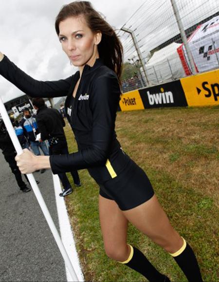 Paddock Girl Moto GP 195 (1)
