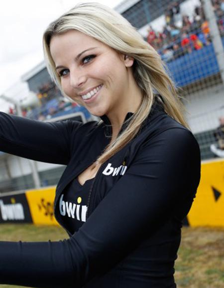 Paddock Girl Moto GP 199 (1)