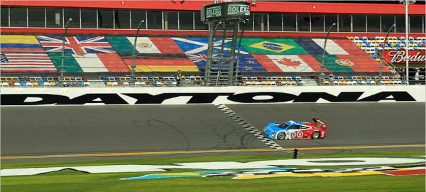 24 HEURES DAYTONA 2013 arrivee victorieuse de la RILEY BMW VHIP GANASSI (1)