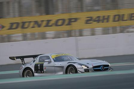 24 HEURES DUBAI 2013 MERCEDES Team Black Falcon num 1 en pole