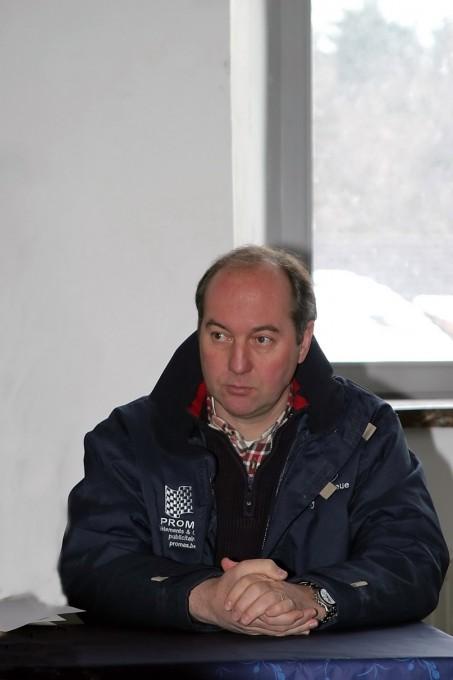 DUEZ comme directeur de course devant ses écrans à surveiller-© Manfred GIET