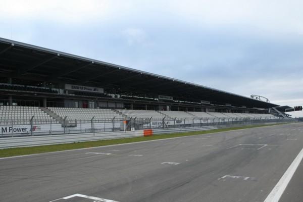 F1 GP ALLEMAGNE 2013 le 7 juillet prochain la grille de départ au Nürburgring sera probablement  vide comme sur la photo-© Manfred GIET--