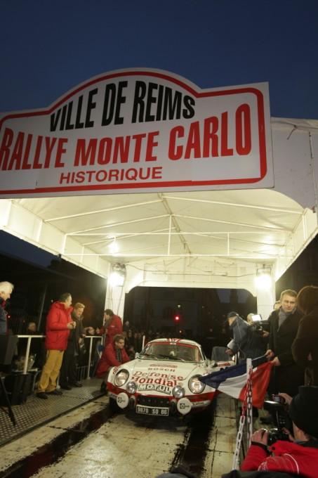 MONTE CARLO HISTORIQUE 2013 Depart REIMS Berlinette ALPINEde  Jean RAGNOTTI photo Bernard CANNONE pour autonewsinfo