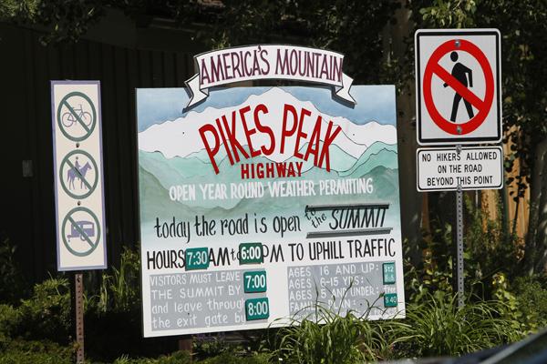 Pikes Peak 2011Jean-Philippe Dayraut Tentative de record catégorie Unlimited.