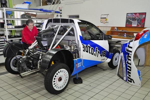 TORK 13 Préparation de la voiture des fréres DUBOURG  Photo A Monnot autonewsinfo