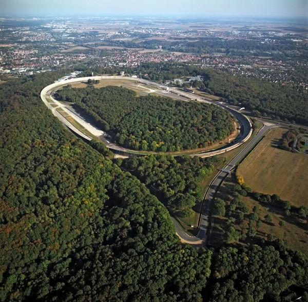 UTAC 2 Le célèbre anneau de Montlhéry