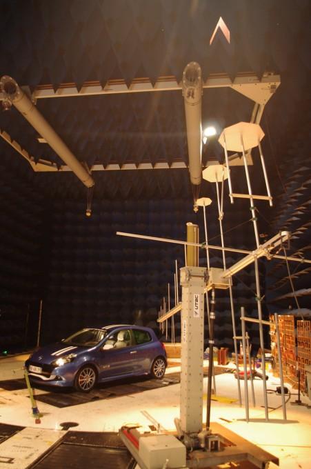 UTAC 7 La salle d'essais de compatibilité électromagnétique