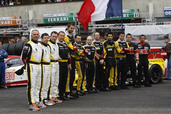24 HEURES DU MANS 2012 LE TEAM LARBRE avant le depart photo V Images