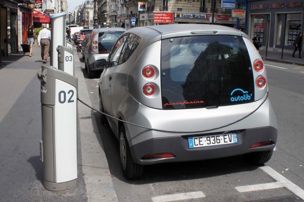 BLUECAR AUTOLIB Borne de recharge