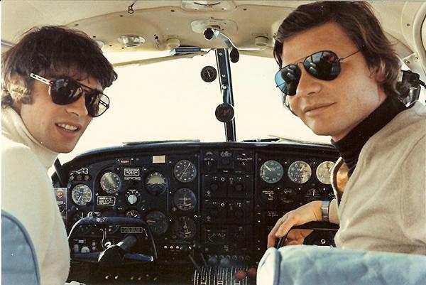 CEVERT 1972 Aout  dans son avion avec José Dolhem