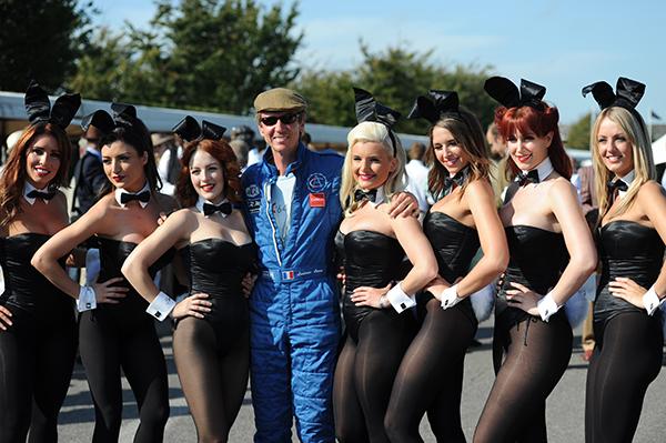 Ludovic le spécialiste des belles Anglaise entouré de beaux châssis, de bien belles carrosseeries