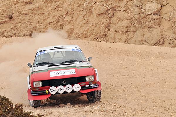 Rallye du Maroc Hidtorique. La Peugeot 504 Coupé V6 de Frznçois LETHIER. Photo François HASSE pour autonewsinfo.com