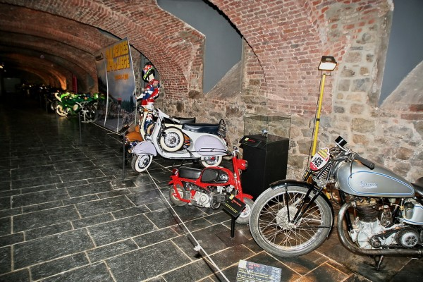 MUSEE AUTO MOTO SPA Caves de l'Abbaye © Manfred GIET