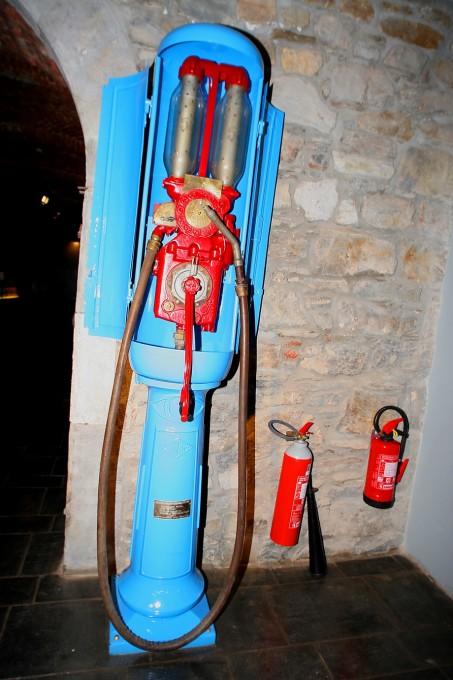 MUSEE AUTO SPA Musée du Circuit-Pompe d'essence-© Manfred GIET