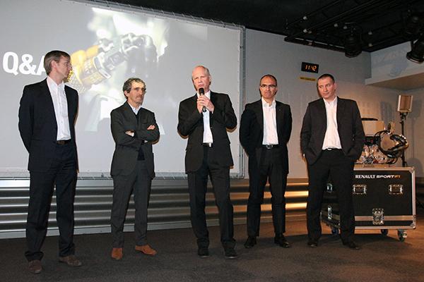 RENAULT F1 Conf Usine VIRY 25 fevrier 2013 Jalinier avec Prost et Rob White conference  futur MOTEUR V6 RS34 photo Gilles VITRY autonewsinfo