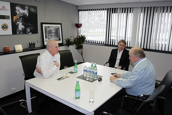 RENAULT F1 Conf Usine VIRY 25 fevrier 2013  Jean Michel JALINIER inTerview avec Gilles GAIGNAULT  futur MOTEUR V6 RS34 photo Gilles VITRY autonewsinfo