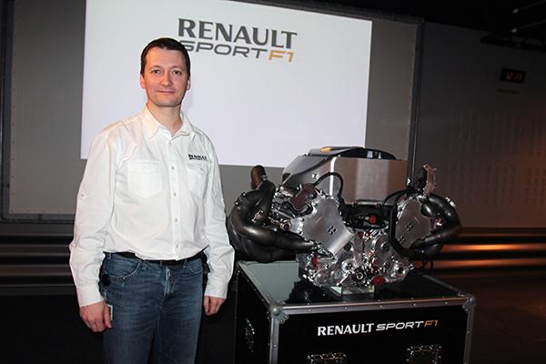 RENAULT F1 Conf Usine VIRY Pierre Jean TARDY chef projet  futur MOTEUR V6 RS34 photo Gilles VITRY autonewsinfo