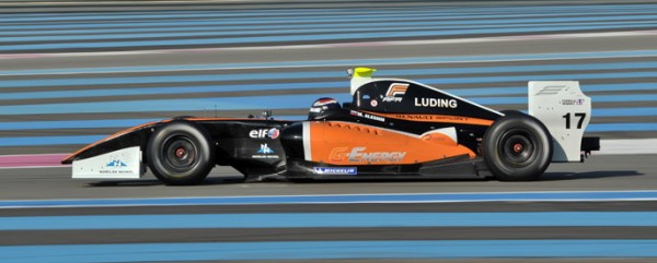 AUTO - TESTS FR 3.5L WORLD SERIES RENAULT 2012