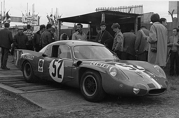 ALPINE 3 Litres V8 en 1968 24 H DU MANS