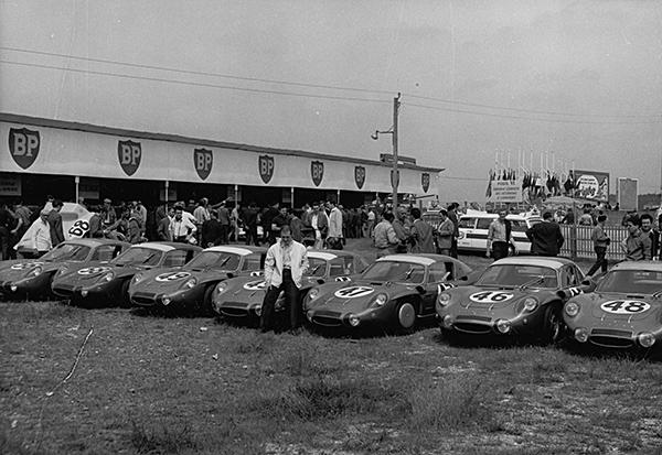 ALPINE Armada avant le depart en 1967