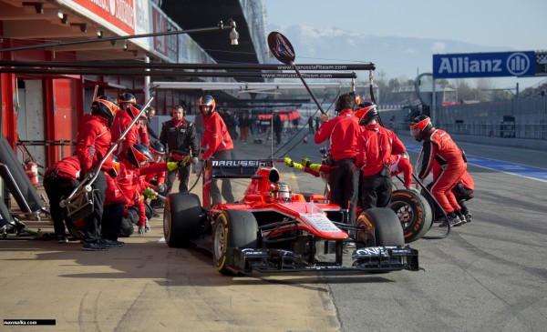F1-2013-BARCELONE-Essai-du-28-fevrier-au-3-mars-MARUSSIA-JULES-BIANCHI-sortie-stand-Photo-MAX-MALKA