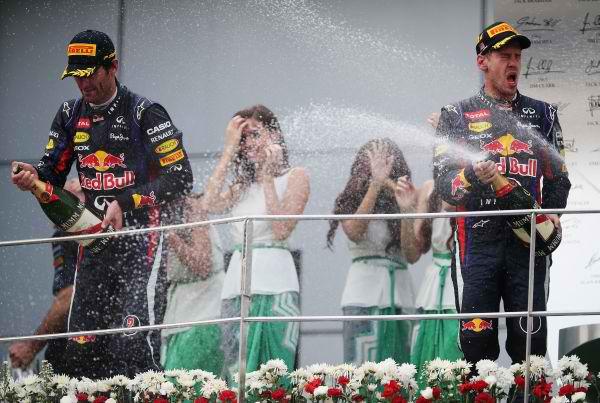 F1 2013 SEPANG Pas la joie sur le podium entre les deux pilotes RED BULL