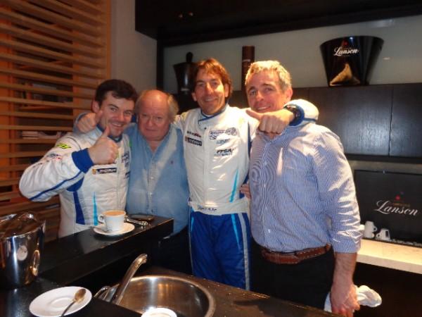 LE-TOUQUET-2013-Eric-Brunson-et-David-Heulin-fetent-leur-victoire-avec-Fred-Cousin-et-Gilles-Gaignault-au-Bar-de-l'Hotel-POL