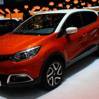 RENAULT-CAPTUR-SALON-GENEVE-2013