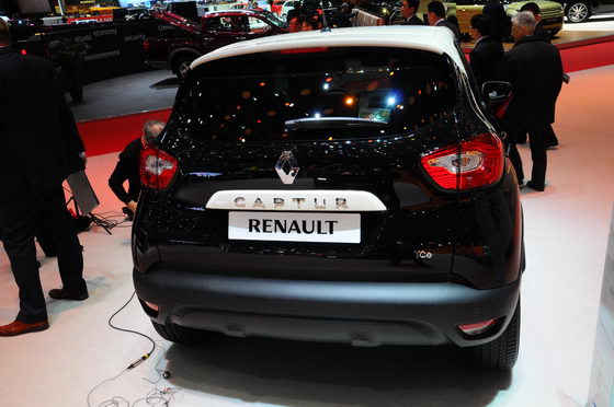 RENAULT-CAPTUR-SALON-GENEVE-2013-