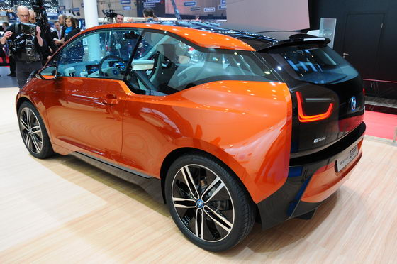 SALON-GENEVE-2013-BMW-i3-Coupé-BMW-vue-arriere-Photo-Patrick-MARTINOLI-autonewsinfo