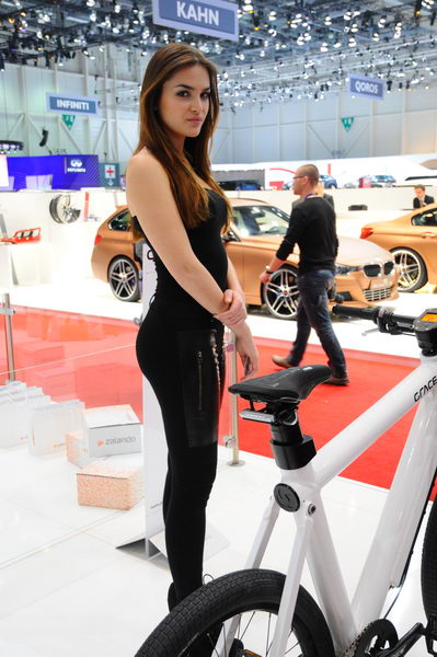 SALON GENEVE 2013 HOTESSES 56 Photo PatrickMARTINOLI AUTONEWSINFO