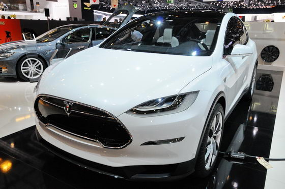 SALON-GENEVE-2013-TESLA-Photo-Patrick-MARTINOLI-autonewsinfo.