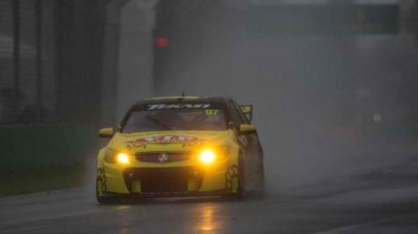 V8 SUPERCAR 2013 GP MELBOURNE 15 16 17 MARS HOLDEN VAN GISBERGEN