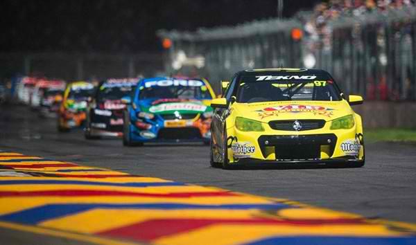 V8 SUPERCAR 2013 GP MELBOURNE 15 16 17 MARS HOLDEN de VAN GISBERGEN
