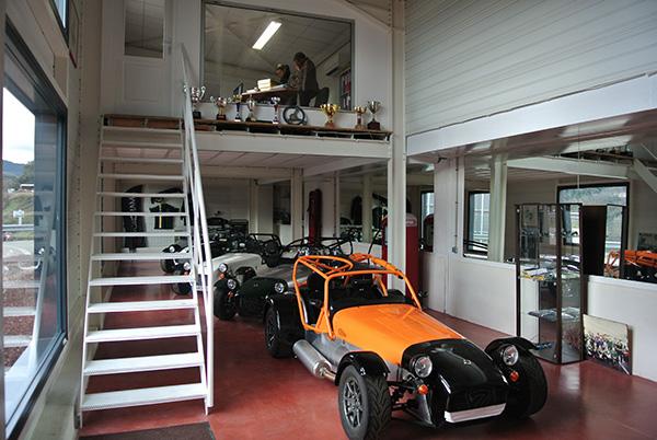 BONAL-CATERHAM-Atelier-Ales-A-photo-Autonewsinfo