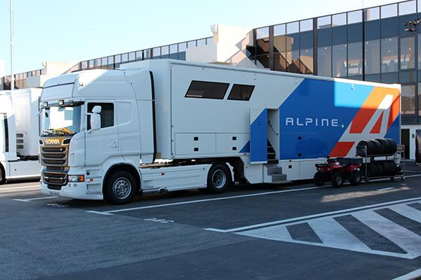 ELMS-2013-Retour-ALPINE-sur-les-circuits-ici-le-transporteur-photo-Gilles-VITRY-autonewsinfo