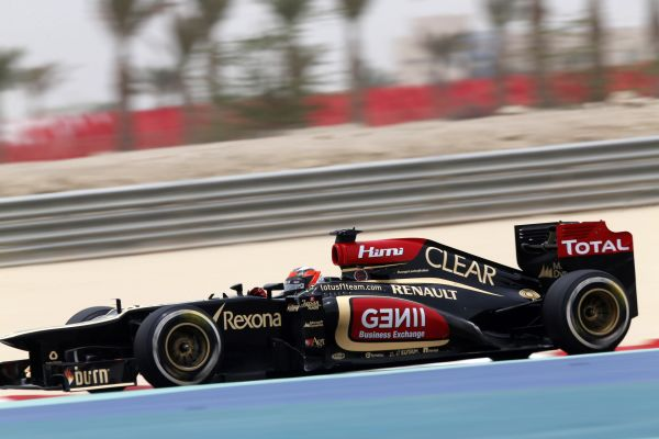 F1-2013-BAHREIN-KIMI-RAIKKONEN-Photo-Team